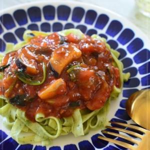 ほうれん草のタリアテッレ・トマトソース