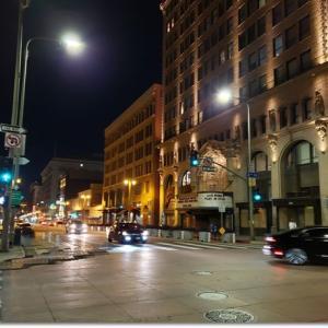 深夜の路上ホットドック、天使が見えた♪