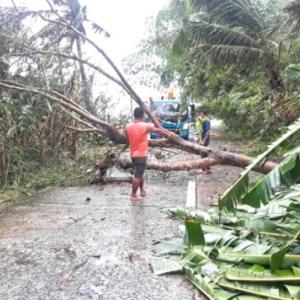 台風「キンタ」の実況中継 午前9時