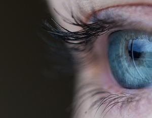 【角膜矯正】視力矯正のオルソケラトロジーを3年半やった結果・・・