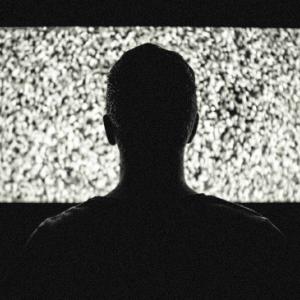テレビのニュースは見なくても良い3つの理由【スマホで十分】