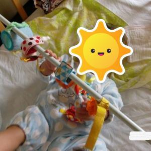 赤ちゃんの好奇心を刺激する意外な方法。(息子0歳、生後間もなくの頃の思い出)