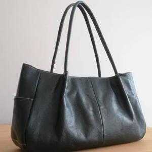 シンプルで大人可愛いバッグを購入しました