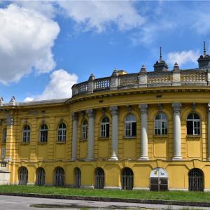 温泉大国ハンガリーでセーチェー二温泉に入る