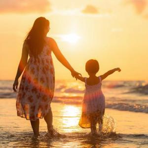 親子関係のアトラクションと無条件化