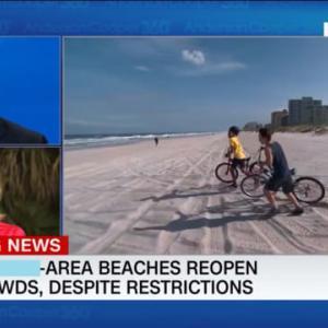 早々と地元のビーチがオープン!