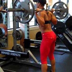 スクワットにおける運動学習の研究(動作パターンに不慣れであるか、神経筋の弱点、または筋力や安定性および可動性の制限が失敗の根本原因であるかにより、特定の弱点の改善に目標を定めた修正エクササイズを用いて対処する)