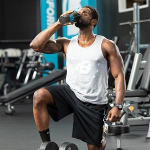 クレアチン(筋内のクレアチンリン酸貯蔵量を増やすことは、高強度エクササイズのパフォーマンスに関与するホスファゲン機構で細胞の生体エネルギーを高める)