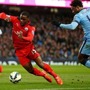 サッカーにおけるアジリティ(サッカー選手は、1秒を争う試合の重要な局面で方向転換を2~4秒に1回行い、試合中に合計1,200~1,400回も方向転換をおこなっている)