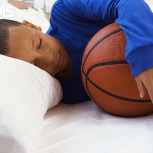 睡眠の推奨基準(1日に4~6時間のトレーニングを実施するエリートアスリートには、10~12時間の睡眠時間が必要になる)