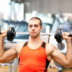 急性および慢性の肩関節傷害のリスク因子(RT集団にみられる一般的な異常リスク因子は、筋力のアンバランス、肩前部の不安定性、可動性の低下などが挙げられる)