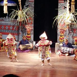 ジャカルタの日本人に人気の習い事Bali ダンス