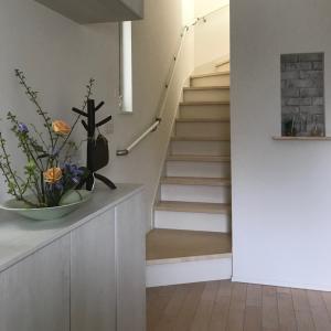「階段下」のデッドスペースを上手に活用する!小さな家をなるべく広く使う工夫。こうすればよかったかなと思うこと。