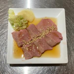 駅前の富士屋で美味しい豚もつを味わう@神田