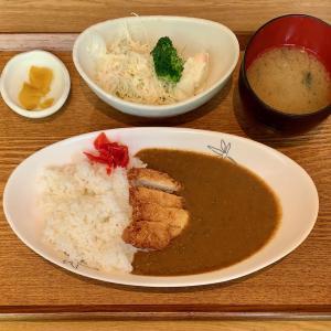日乃本食堂で鮪を使ったカレーを食べる@田端