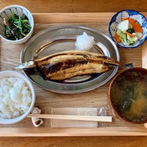 開放感のあるおぐセンターで干物定食を食べる@小台