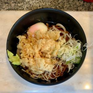 思い出横丁のかめやで冷たい蕎麦を味わう@新宿