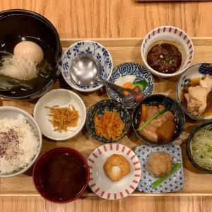 福島屋でおかずが豊富な定食を楽しむ@麻布十番