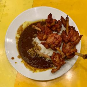 辛来飯で個性的なチキンカレーを味わう@堺筋本町