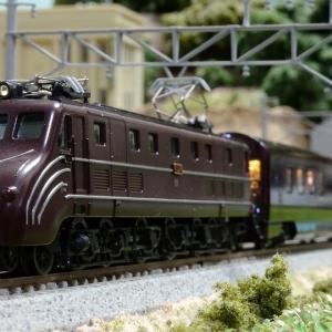 「ななつ星」にお似合いの機関車