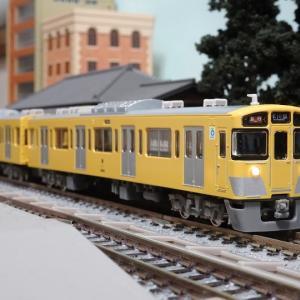 西武鉄道といえばこの顔 新2000系