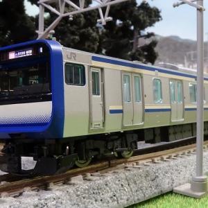 E235-1000系 横須賀・総武快速線 に室内灯!15両は大変だ(笑)