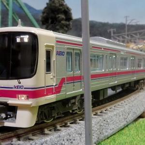 016F 京王8000系(菱形パンタ)