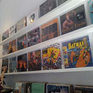 ジャカルタ北部にあるレコード屋に行った。