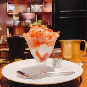 【星乃珈琲店】暑い日に「けずり苺パフェ」がひやっと最高♪しかも練乳たっぷり甘ウマい幸せ♡