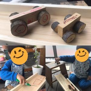 幼児と一緒に親子工作 木の枝で自動車を作ってみた。20分でできる簡単工作