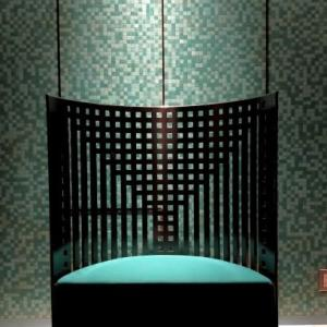 素敵な椅子には素敵な照明効果を