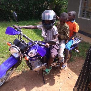 青年海外協力隊と小型自動二輪 〜最強の相棒「バイク」について〜