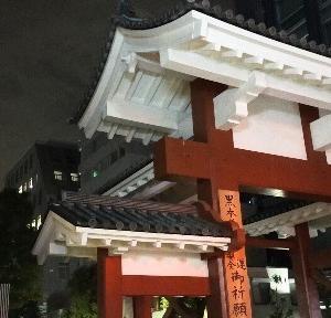 【港区】早朝散歩で東京タワーと増上寺へ