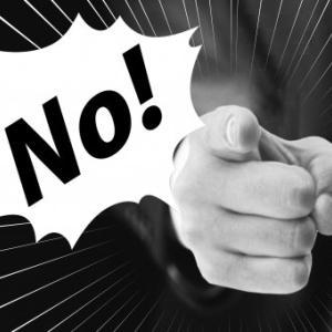 中国警察「何やっている命惜しくないのか」感染防止で人集まる雀荘に突撃し雀卓破壊動画がZIPで流れる