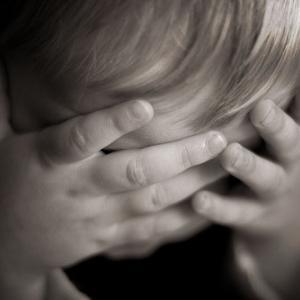 【悲報】オランダ日本人学校の子供、現地で「コロナ チャイニーズ ファ○ク」と言われボコボコにされ流血