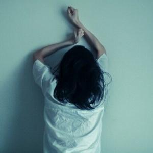 【悲報】盗聴被害のテレ東の女子アナさん、謝罪