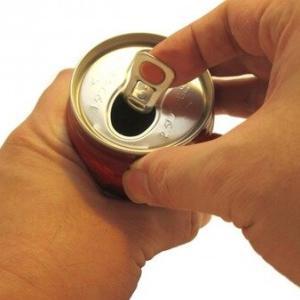 【訃報】コーラ1.5リットルを10分で一気飲みした男性、体内でガスが溜まり酸欠状態になって死亡