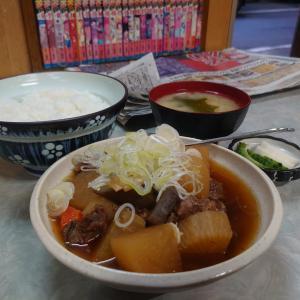 新宿区大久保駅で定食が食べれる場所がある~淀橋市場の「伊勢屋食堂」~