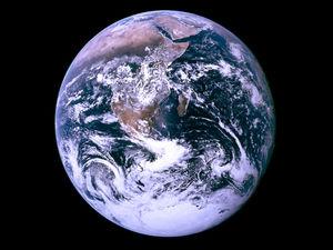 地球の自転が止まってしまったら人間はおろか地球そのものが崩壊する