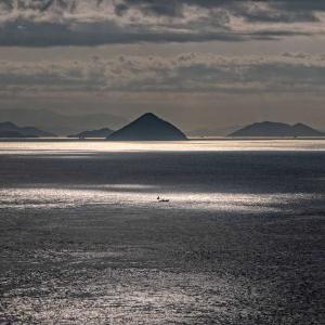 朝の瀬戸内海