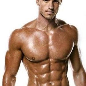 【たくましい大胸筋を作る為のダンベルトレーニング】ベンチプレスとの違い