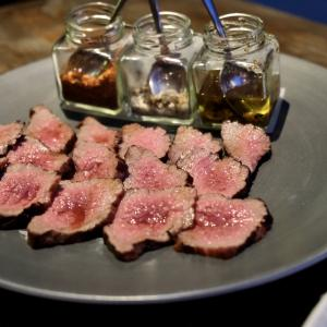 やっぱうまい料理は楽しく食べなきゃね!!ノリノリ『KNOCK(ノック)』で健全Dinner