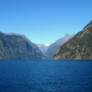海外ツーリング-ニュージーランド編 3 / 絶景の街道 ミルフォードロード と テ・アナウ、ミルフォード・サウンドの魅力