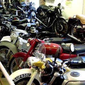 海外ツーリング-イギリス編② / ロンドン近郊を巡る + バイク好きにはたまらないオードバイ博物館と世界最高レベルの航空機博物館と言われるイギリス空軍博物館