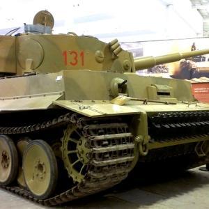 海外ツーリング-イギリス編④ / 世界一の戦車博物館であるボービントン戦車博物館と世界遺産ストーンヘンジ