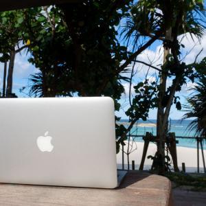 【海が見えるデスクワーク】理想の作業環境を求めて。沖縄移住5年目の私が考える最適解