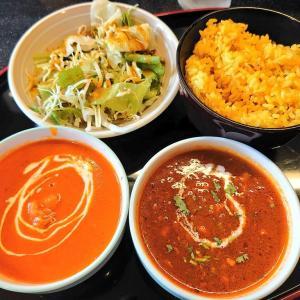 金沢市桂町にあるマハクで、Cランチ(カレー2種類、プレーンナン、ターメリックライス、サラダ、チキンティッカ)。