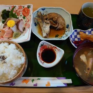 松任駅近くを散策。白山市西新町にある割烹にしきでランチ。その後、田中屋とおけ和で柏餅などなど和菓子を。