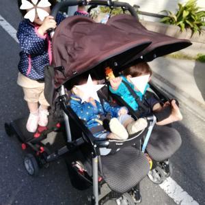 1歳児双子&3歳児娘を連れての登園スタイル