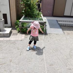 娘、長縄にチャレンジ(4歳7ヶ月)